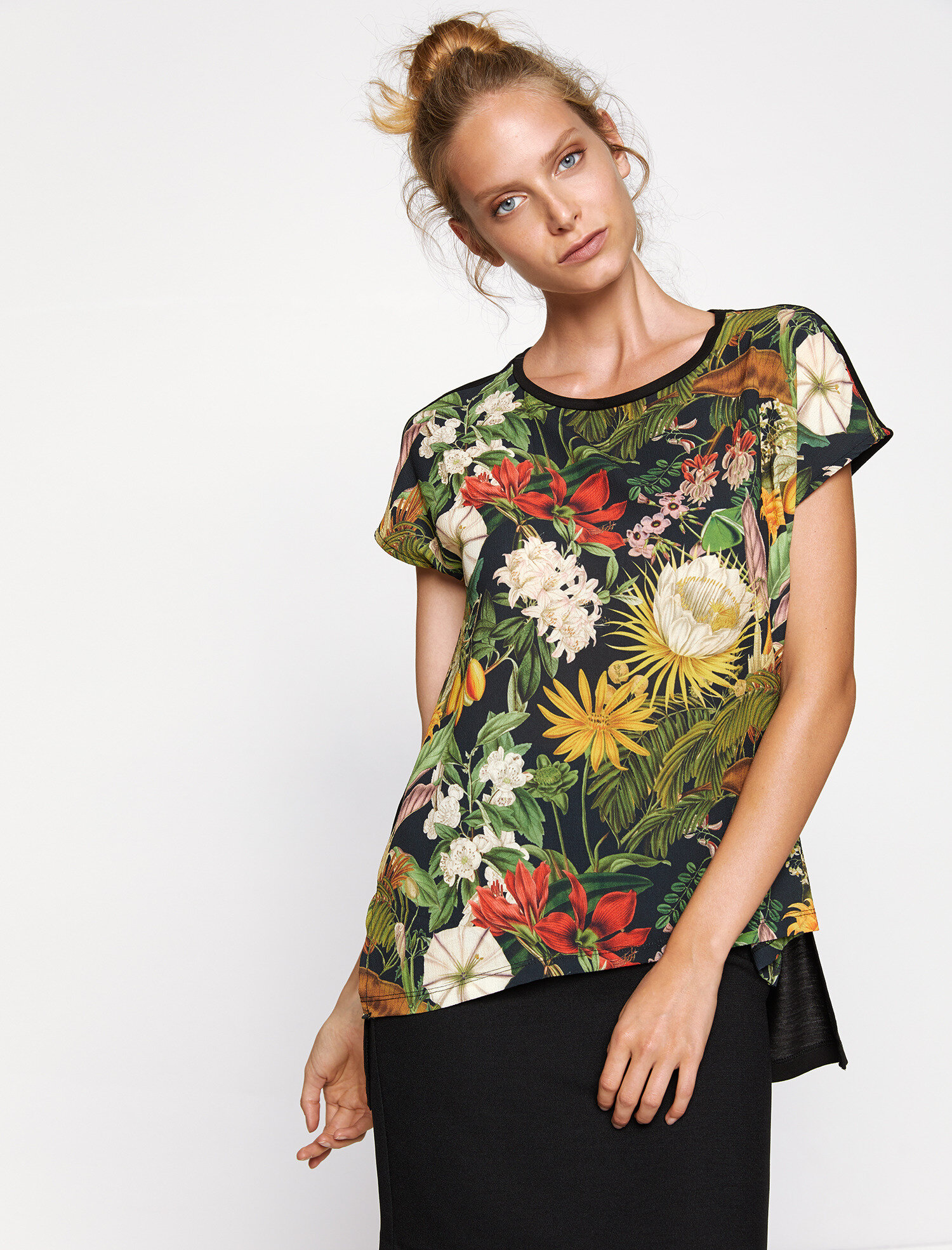 floral t-shirt. pic 1 · pic 2 ...